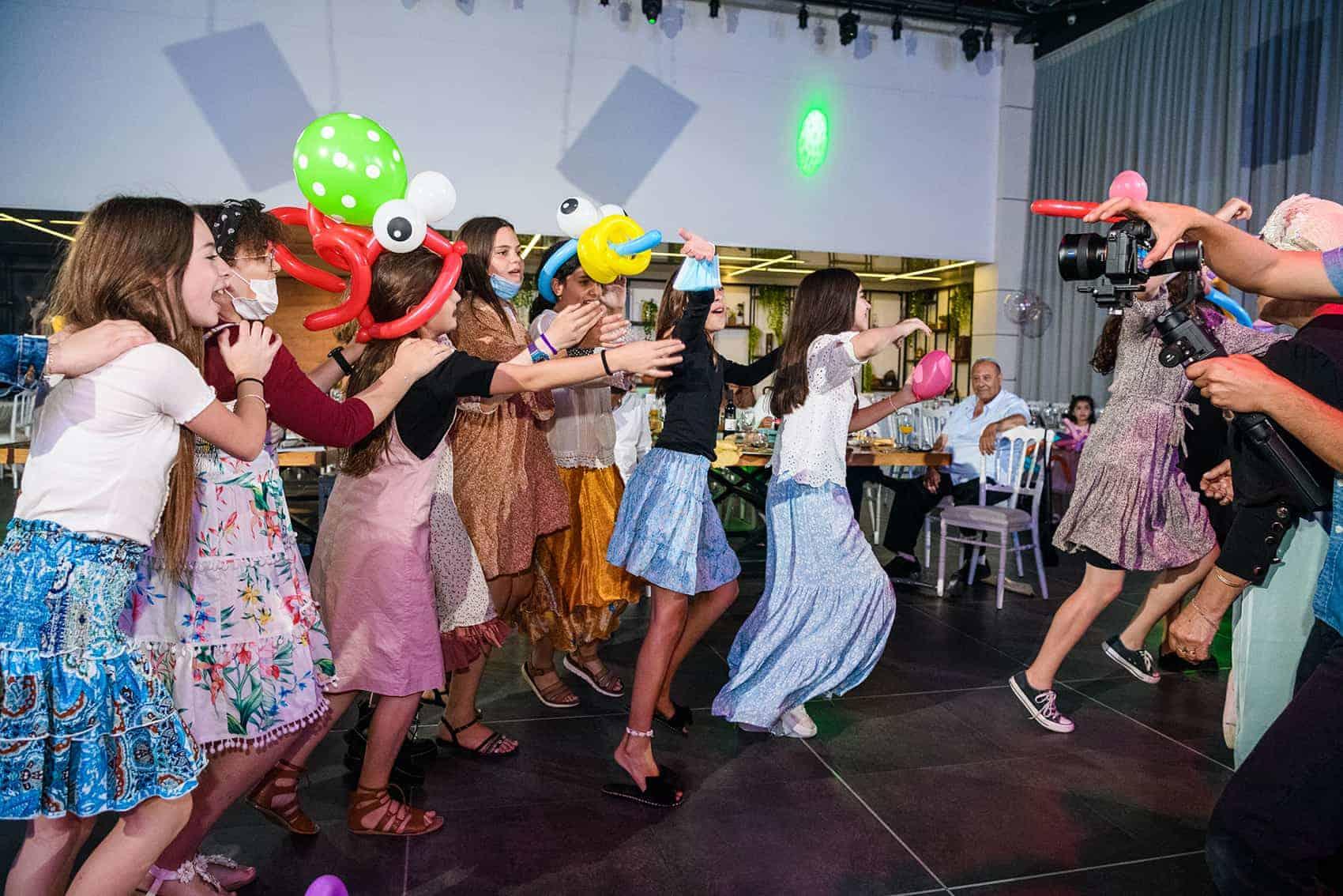 צלם לבת מצווה   צילום בת מצווה   תמונות ריקודים